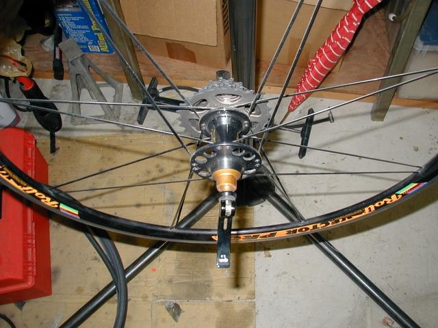 Rolf wheel with cracked hub